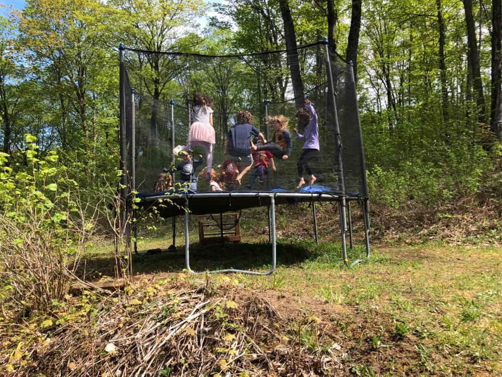 Kids free trampoline